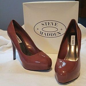 EUC Steve Madden Russhh lavender platform heels